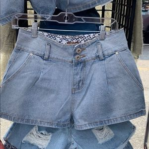 Pol pleated High waisted shorts